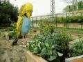 Obstgarten mit Plastiken von Matthias Garff